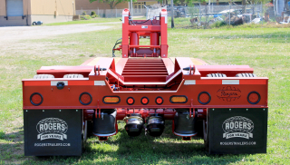 High performance air ride suspension provides for a smooth ride as well as controls to raise or lower the trailer deck height.  LED lighting is US-DOT approved and includes amber strobe lights with toggle on/off switch.