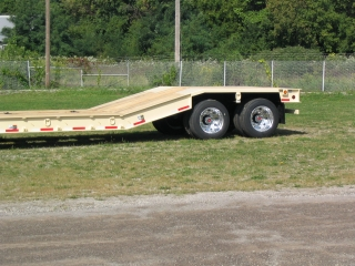 The 16° riser section provides easy access to the rear frame deck.  The customer specified aluminum wheels that save weight and