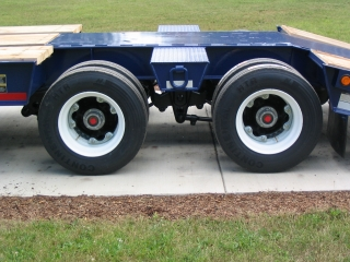 The spring suspension and ABS spring brakes on all the axles, combine for superior handling in difficult conditions.  NOTE: ABS does NOT slow down a trailer faster; rather, ABS keeps the trailer straight when it stops, avoiding jack-knifes.