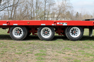 Heavy-duty spring suspension provides a smooth and stable ride.  ROGERS tag-along trailers are equipped with premium 4S/2M Antilock brake systems.