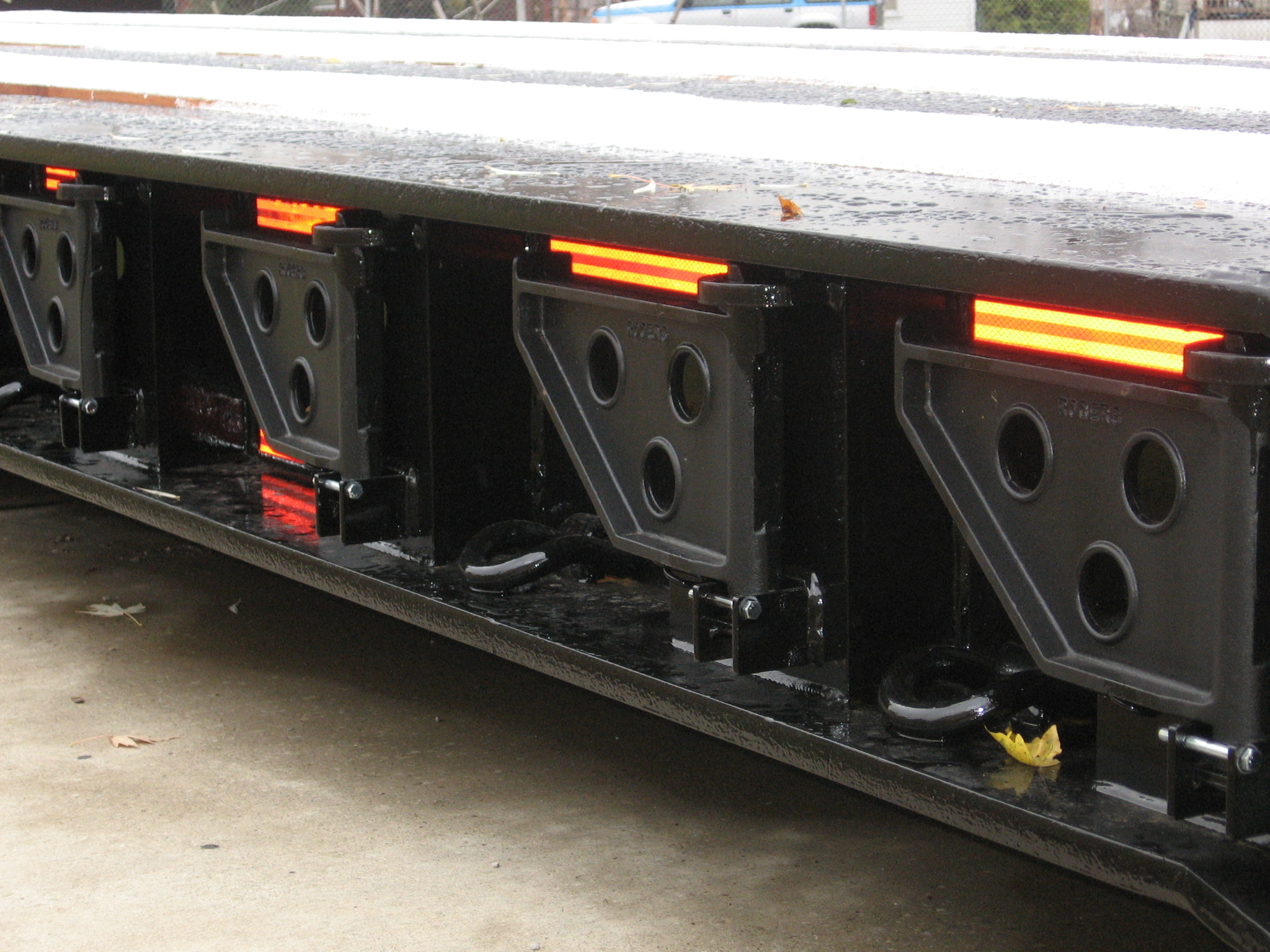 Removeable Swinging Trailer Side Brackets