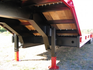 The durable pin type parking legs are easy to operate and have a static capacity of 40,000 lb.