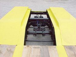 Wheel Covers / Raised - Tread Plate