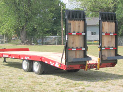 Rear Loading Ramps / Hydraulic-Powered