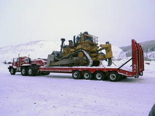 This ROGERS® 125-ton capacity trailer was built to haul mining equipment in Quebec.